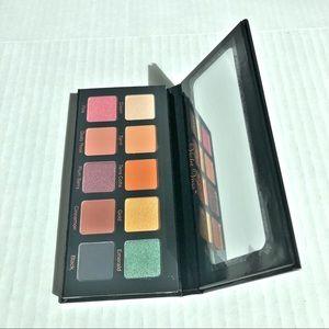 Violet Voss Essentials Eye shadow palette